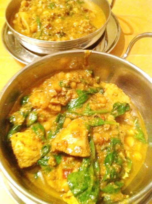 Balti Chicken with Spinach and Chickpeas, Lay The Table