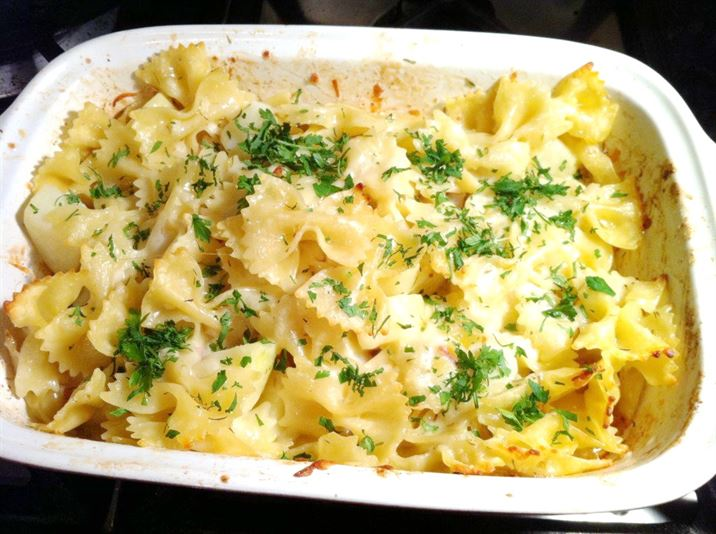Nigella Lawsons Mountain Macaroni, Lay The Table