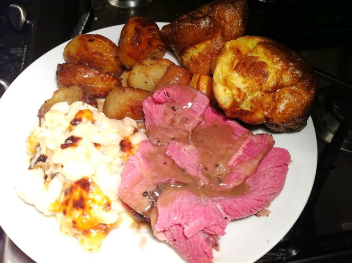 Heston Blumenthals Slow Roast 42-Day Aged Lincoln Red Beef, Lay The Table