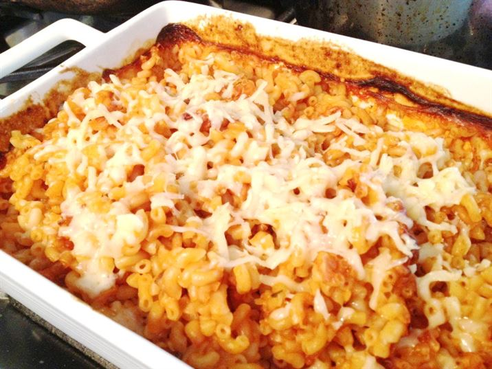 Review: Ragu Creamy Tomato and Bacon Sauce for Pasta Bake, Lay The Table