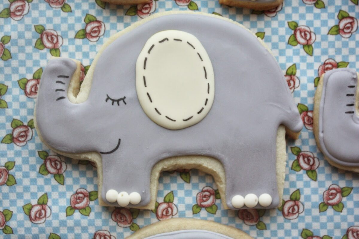 Elephant Cookies and Simply Perfect Party Cakes for Kids, Lay The Table