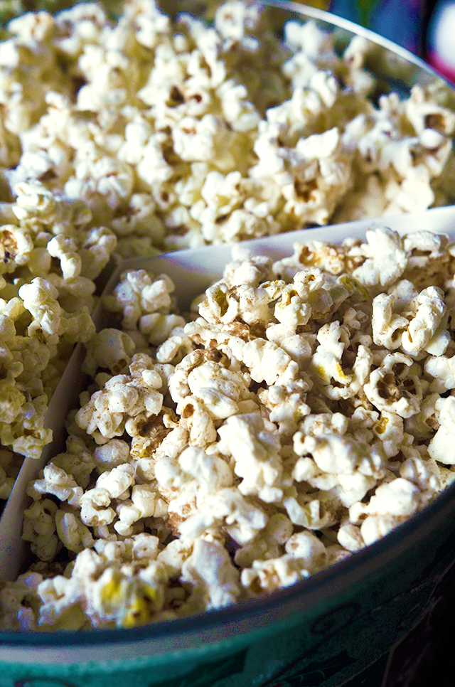"""Homemade Vegan Popcorn Tin w/ """"Buttered"""" & Salted, Cheezy, and Cinnamon Toast Popcorn, Lay The Table"""