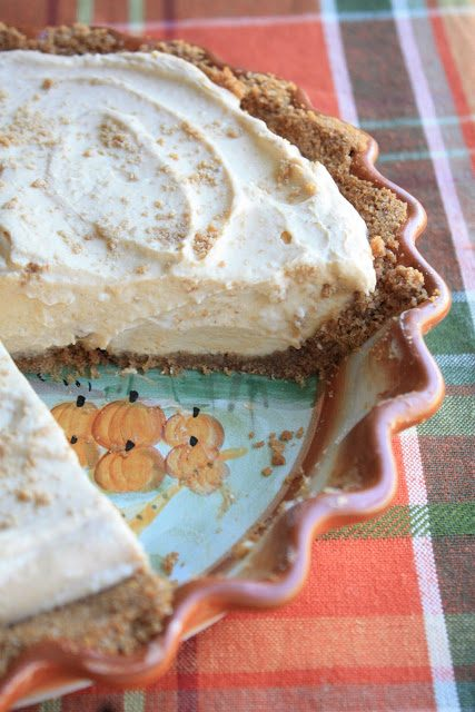 Creamy Pumpkin Pie with Biscoff Cookie Crust, Lay The Table