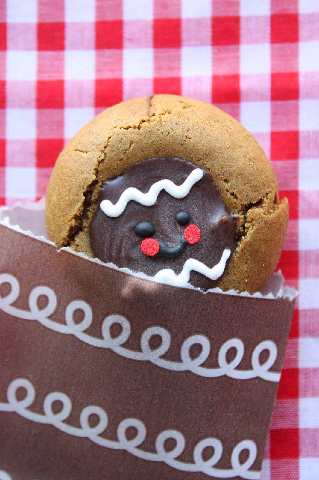 Gingerbread Men Chocolate Thumbprint Cookies, Lay The Table